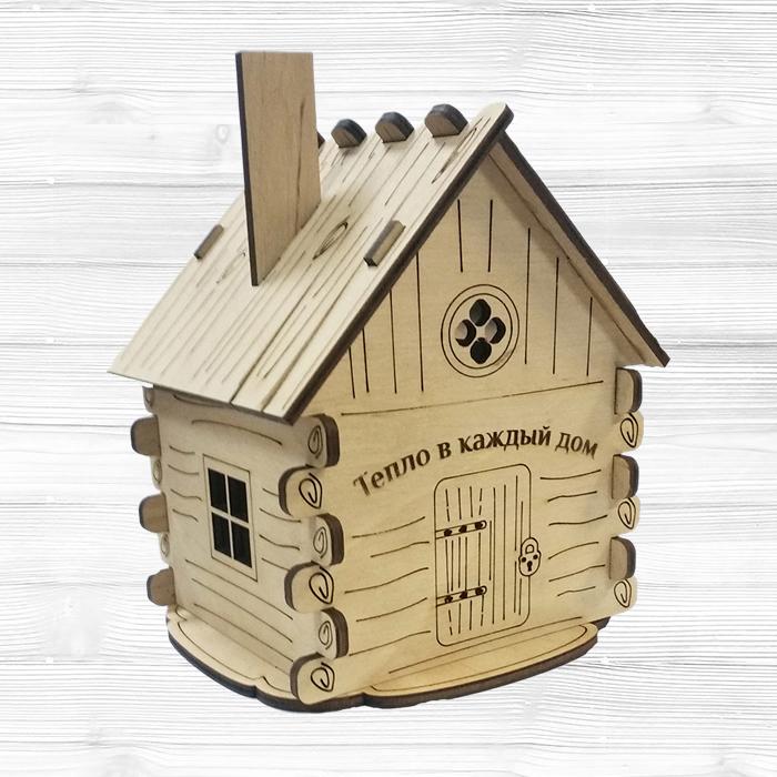 Деревянный дом-копилка